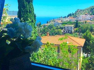 SEA VIEW VILLA DORA Terrace Parking Taormina