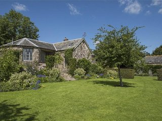 The Roundhouse, West Anstey - Spacious property for up to 6 guests, well suited