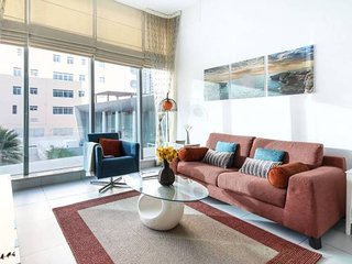1BR in Dubai Marina with a Rooftop Pool!