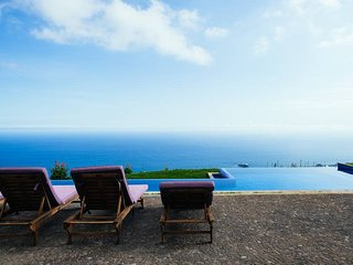 Spectacular 3 bedroom home with a view of Funchal