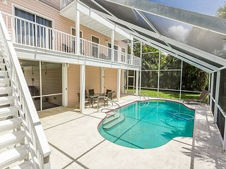 Group Getaway w/ Private Pool & Lanai - Walk to Fort Myers Beach & Estero Bay