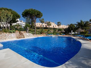 2 bed townhouse, Marina del Sol, Club la Costa, near beach and town