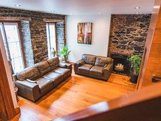 Quebec City - Prestigious TownHouse