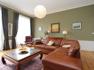 Home from home, two bed apartment in Stockbridge