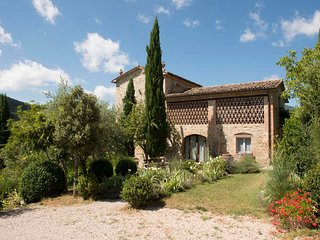 La Buia Villa 'The Tobacco Tower' Umbria - Luxury in a Beautiful Hidden Valley