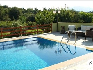 Country apts near Rethymno with Pool