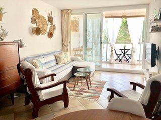 Moderno apartamento a 5 min de la playa y centro!! (4-6 personas)