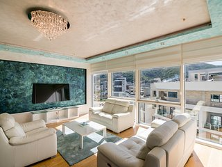 Tre Canne - Designed Luxury Two Bedroom Apartment