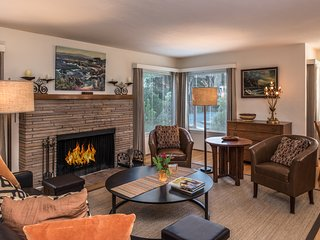3759 Pacific Grove Retreat