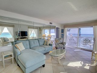 Panoramic Views Condo w/Balcony, Pool, Tennis, Private Beach Access, & More!