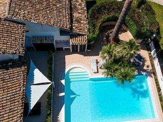Villa Rebecca Marina di Ragusa con piscina e jacuzzi in comune