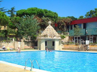Air-Conditioned Mobile Home 200m from La Fosca! Outdoor Pool