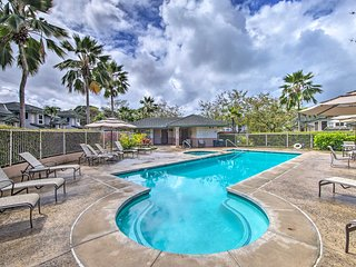 Princeville Townhouse w/Lanai, Pool & Golf Access!