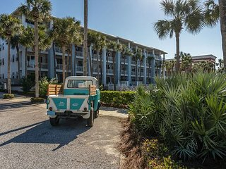 30A Cabana Withe Views of Water!  Free Golf & Parasailing!