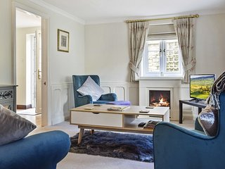 Old Stables, Tetbury, Cotswolds - Sleeps 5+ travel cot, Tetbury, Cotswolds
