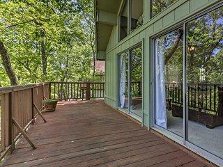NEW! Warm Springs Home w/ Deck & Mountain Views!
