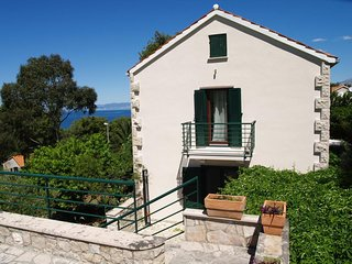 Two bedroom house Splitska (Brac) (K-16530)