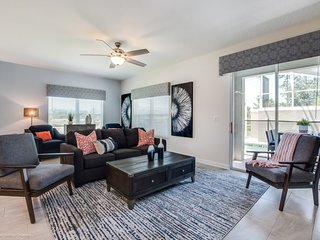 Jaffar's Reserve Beautiful Townhome With Pool!