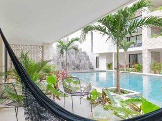 Sanctuary Casa Madera: Pool View, Gym & Beach Club access!