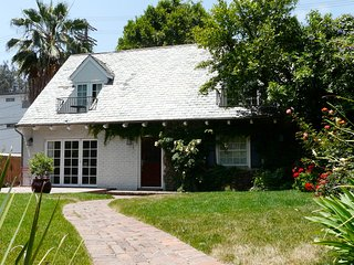 Fabulous Updated Traditional Home in Studio City