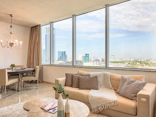 ★ Elegant Apartment | With a Full View Of Dubai!