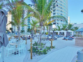 Incredible Bay View 3 Bed Private Floor Apt 1101 * BW Resort Miami FL