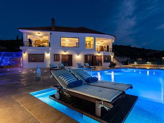 Jessica 3 Bedroom Luxury Villa with Private Pool
