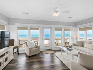 Beautifully updated Gulf Front Home! Private Beach! Hot-tub!3 King Beds! FREE ch