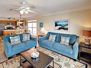 Casa Ba'Nana: Waterfront Duplex on Gulf Shores Beach w/ Private Beach Access
