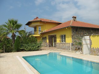 Villa Demirtas 3,  grosser Pool ,nicht einsehbar
