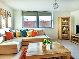 Stylish Camden & Kings Cross -2 bed/2 bathroom apt with FREE WiFI by Club Living