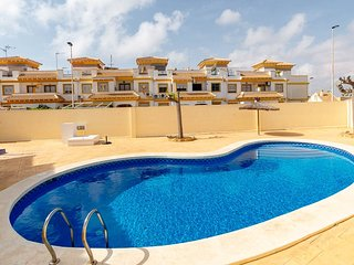 Apartment Aguas Nuevas Torrevieja, well located, community pool and garden area