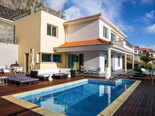 3 bedroom Villa with Pool, Air Con and WiFi - 5785421