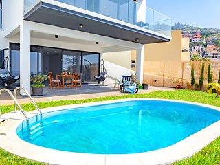 Nossa Senhora do Monte Villa Sleeps 6 with Pool and Air Con - 5778206