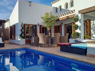 5 bedroom Villa with Pool, Air Con and WiFi - 5776294