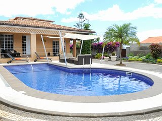 4 bedroom Villa with Pool and WiFi - 5780578