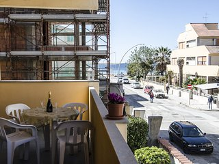 Four room apartment 100 meters away from the sea 'Tonno'