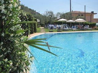 Residence Rosmari sul lago Studio con piscina