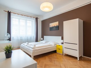 Charming Vinohrady Apartment for 7 People by easyBNB