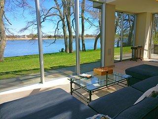 Hamptons Waterfront Architectural Gem