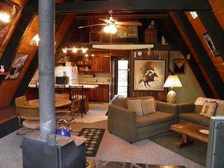 Kiowa Cozy Tahoe Cabin Nestled in the Forest!