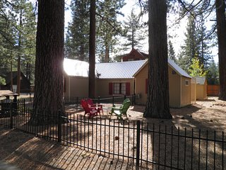 780 Merced Dog Friendly Cabin Steps to the Lake