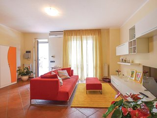 Stunning home in Viareggio w/ WiFi and 4 Bedrooms (ITV958)