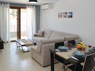 Awesome home in Sarande w/ WiFi and 1 Bedrooms