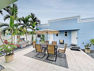 2BR, 2BA in 2 Art Deco Beach Bungalows - 1 Block to Hollywood Beach Boardwalk