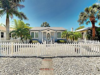 Cozy Beach Bungalow w/ Private Back Patio - 2 Blocks to Downtown Gulfport
