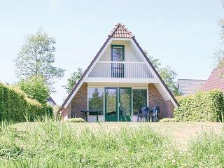 Beautiful home in Vlagtwedde w/ Indoor swimming pool, WiFi and 3 Bedrooms