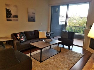 G12 328 - Chill and Relax in a 2BR Cozy Modern Suite