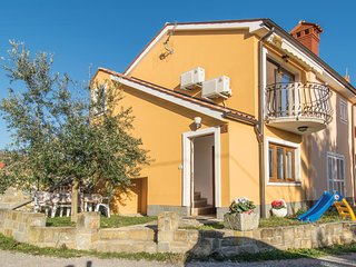 Nice home in Ankaran w/ WiFi and 1 Bedrooms (SCR294)