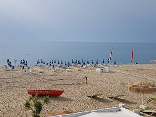 A due passi da una spiaggia meravigliosa